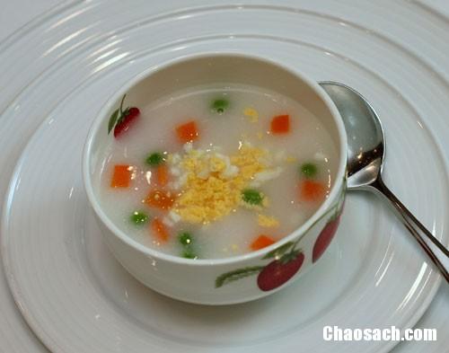 Món cháo thịt heo với cà rốt bổ dưỡng