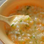 Cháo trứng cút nấu với khoai tây và ngô cho bé ăn dặm