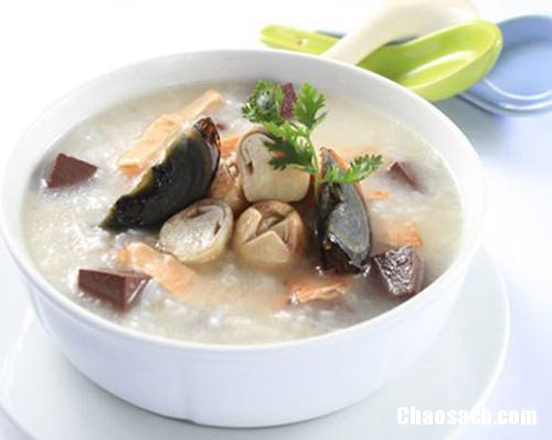 Món cháo nấm ngon cho bữa ăn chay thêm hấp dẫn