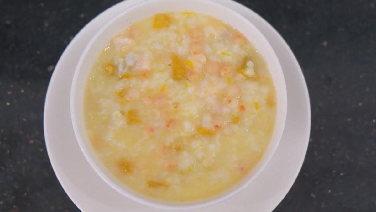 Món cháo trứng cá hồi giúp bé ăn ngon miệng