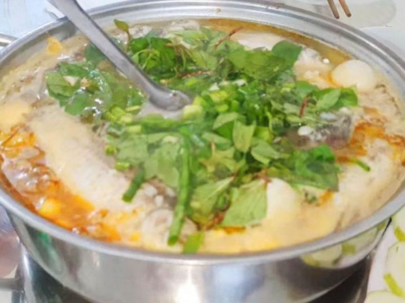 Món cháo cá diếc rau răm thơm ngon mềm ngọt lại đơn giản