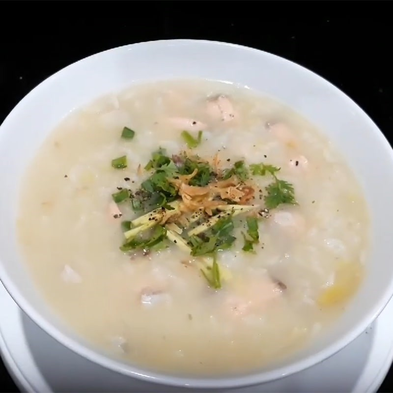 Món cháo cá hồi đậu xanh bổ dưỡng cho cả gia đình