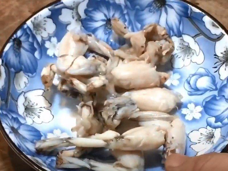 Chần sơ thịt ếch