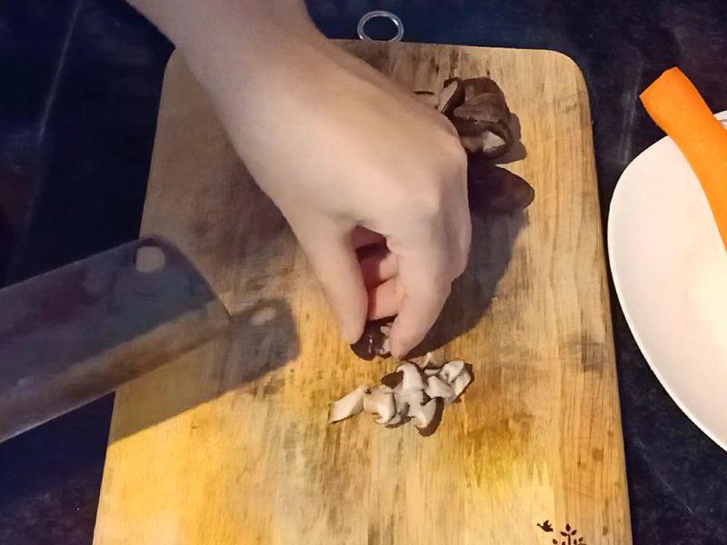 Nấm hương cắt hạt lựu