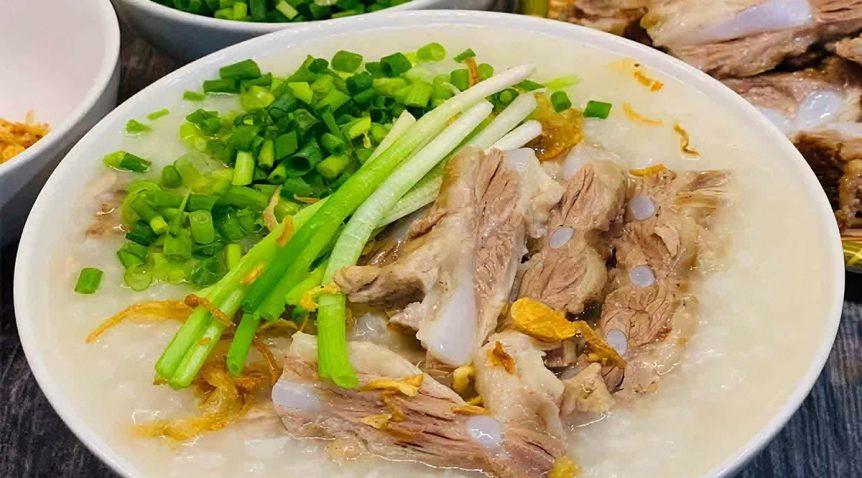 Món cháo sườn sụn mềm ngon hấp dẫn lại dễ làm tại nhà