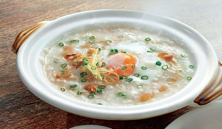 Món cháo trứng gà bằng nồi cơm điện nhanh và đơn giản cho bữa sáng