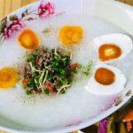 Món cháo trứng muối thịt nạc ấm bụng ngày mưa