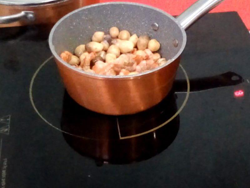 Xào tôm với nấm